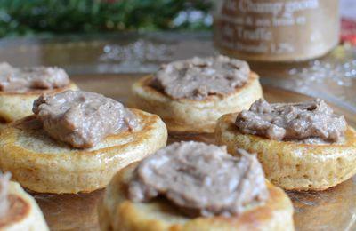 Blinis et Délice de champignons parmesan brisures de truffe Jours Heureux