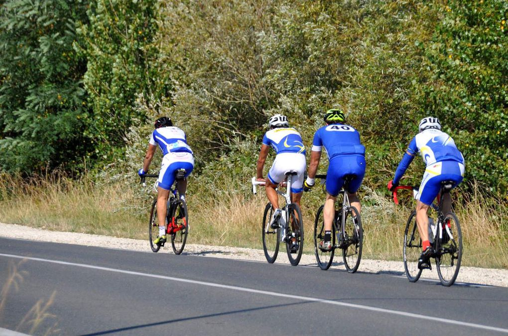 Beau podium au Tour des 2 Vallées, et belle participation à La Flèche d'Aquitaine.
