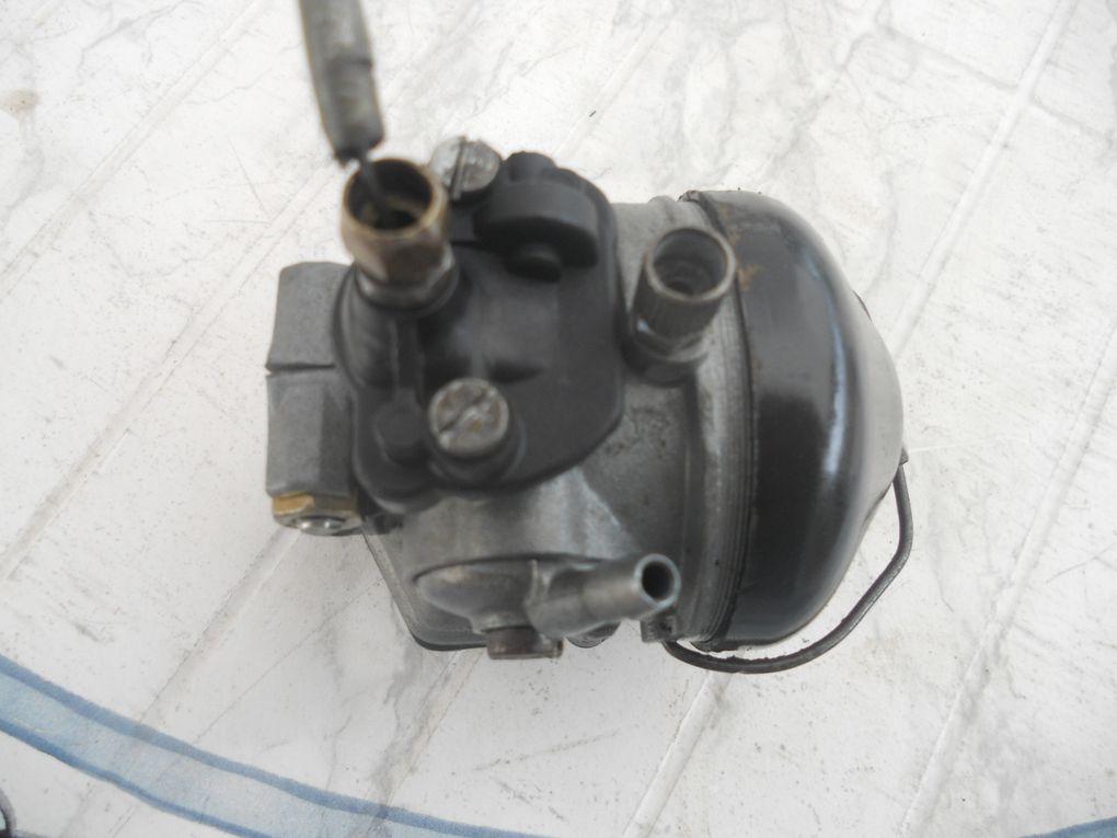 Motoconfort AU 65 du 4/09/1961 Année : 1964 N° Cadre : 811.... N° Moteur : 471.... Carburateur : Dellorto SHA 15 15 C Jantes : Rigida Pneu 2 x 19