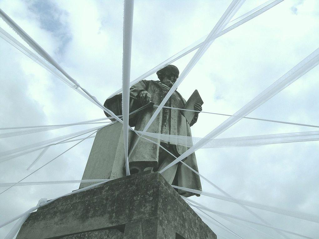 Installation: LA STRATEGIE DE DRACULA