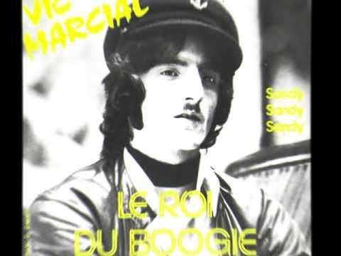 """Vic marcial, un chanteur belge humoristique des années 1970 avec son hit mémorable """"le roi du boogie"""""""