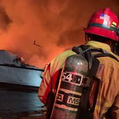 28 boaters missing on board a yacht on fire off the coast of Los Angeles - Yachting Art Magazine