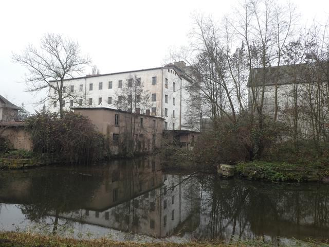 J 40 Le long du canal ...