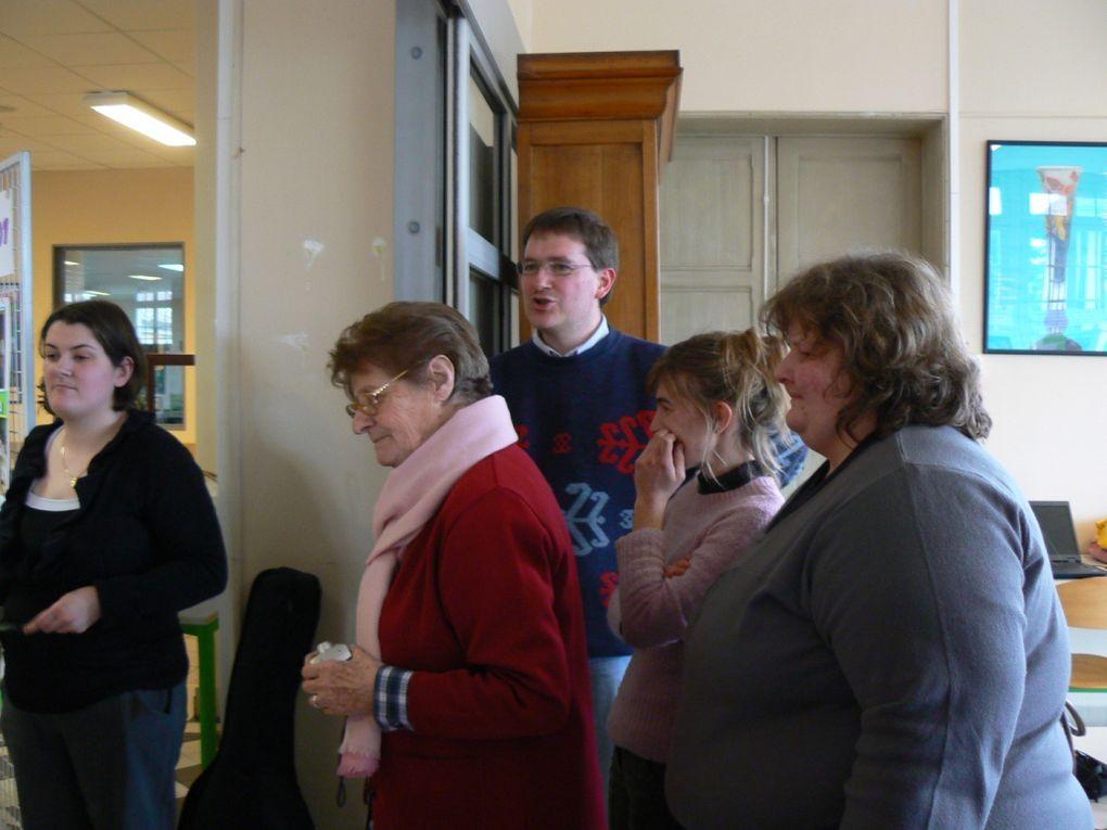 Une belle Assemblée générale qui a rassemblé plus d'une soixantaine de personnes ...et un temps très fraternel de retrouvailles et de fête avec les anciens volontaires des missions 2001 , les volontaires des missions d'avant et d'après ....les