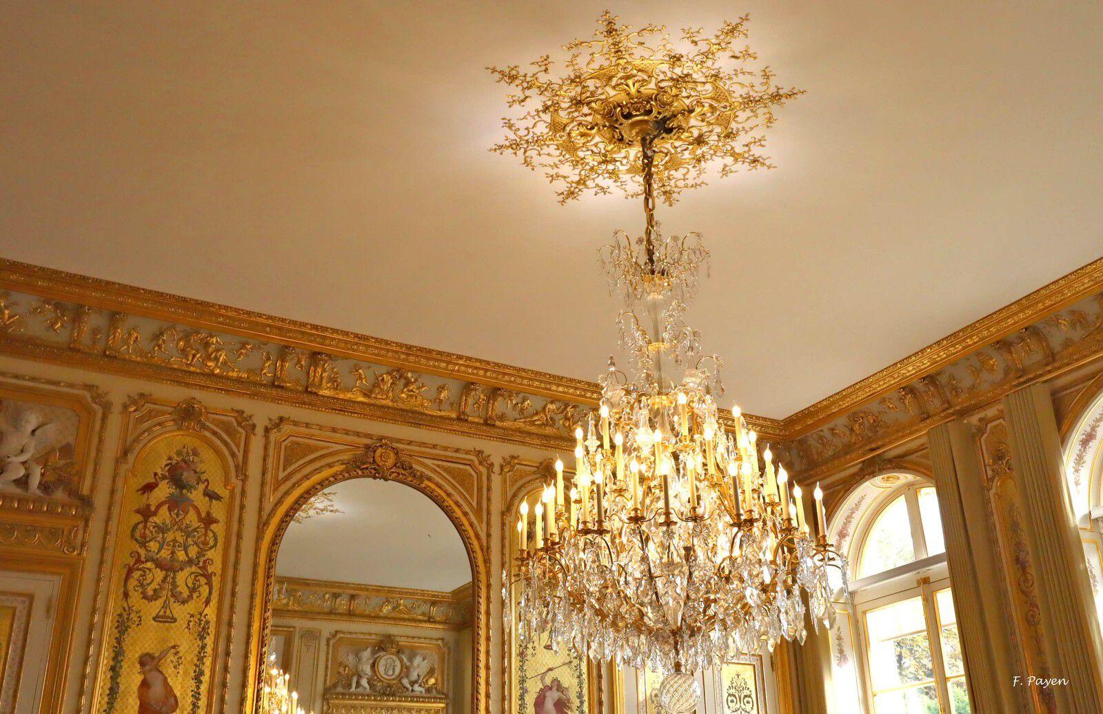 Palais de l'Elysée, bureau du Président de la République.