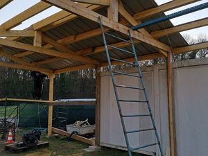 Installation de la toiturede notre abri à bateaux