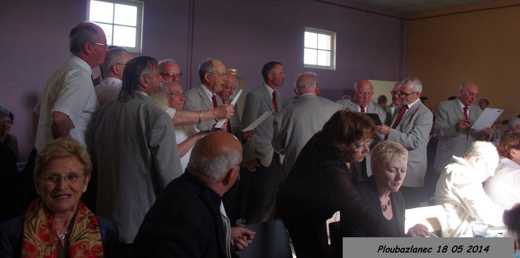 images du concert donné par la chorale Avel Mor et la chorale de la côte des légendes en l'église de PLOUBAZLANEC le 18 mai 2014