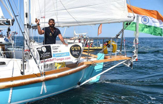 Porté disparu, le skipper Abhilash Tomy a donné signe de vie...