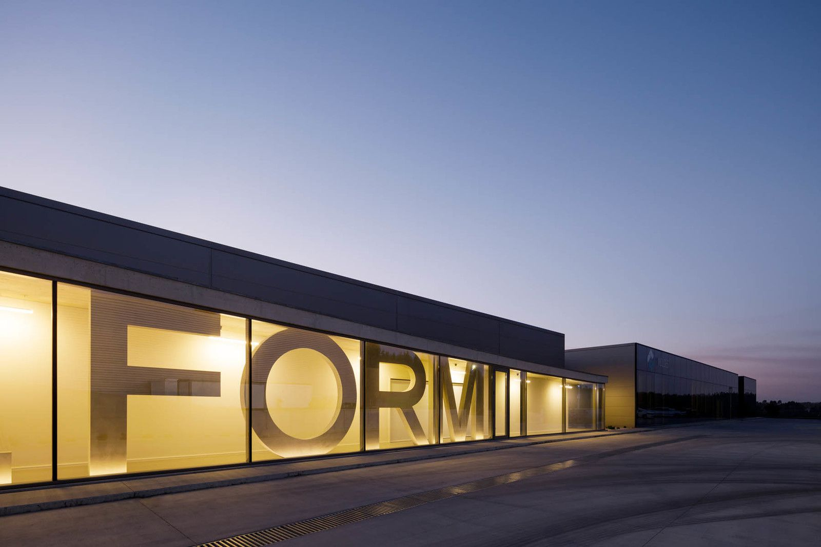 STEELFORM FACTORY EXTENSION IN OLIVEIRA DE AZEMEIS, PORTUGAL  BY LOPES DA COSTA STUDIO