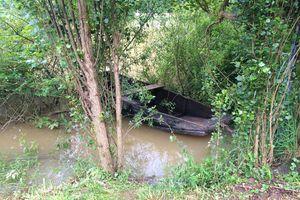 Barques sur le Doubs en crue... estivale !