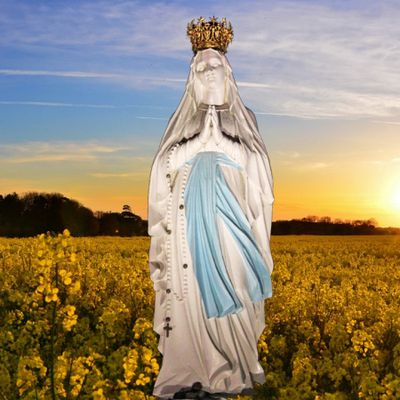 Marie envahie par la transcendance divine