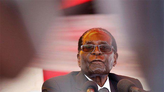 Imágenes de quien el poder mana de Dios, el dinosaurio de Harare, Robertinho Mugabe.- El Muni.