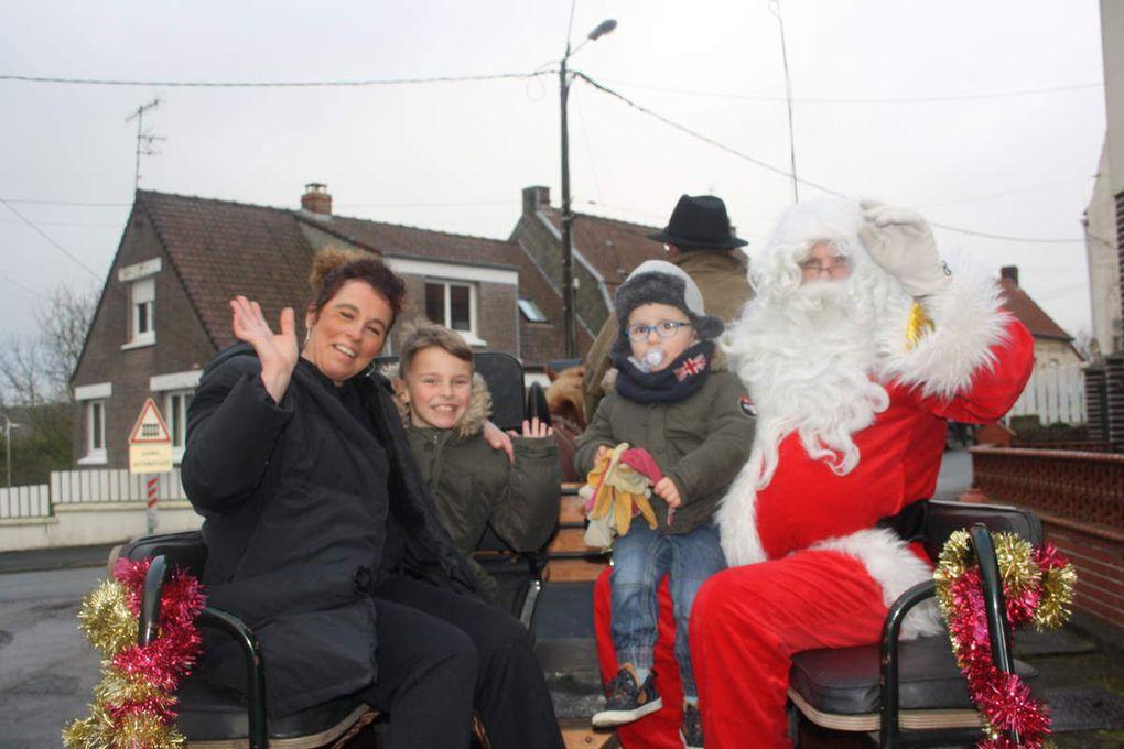 Visite du Père Noël à Esquerdes