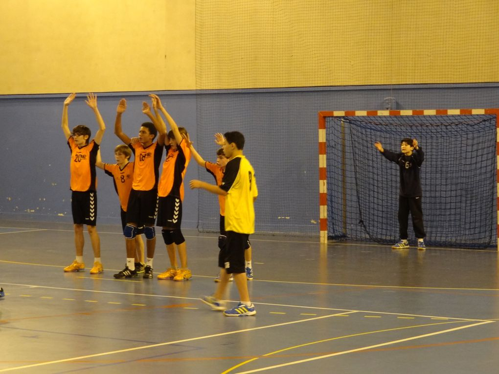 "Hand ball - de 15 ans masculin, Entente BRUNOY/MONTGERON c/ MENNECY, à 15h30 àPICOT  . On s'y ""dispute"" la 1ère place du groupe !"