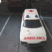 CITROEN CX BREAK AMBULANCE MATCHBOX SUPERFAST + POLICE DIVISION MARINE - car-collector.net