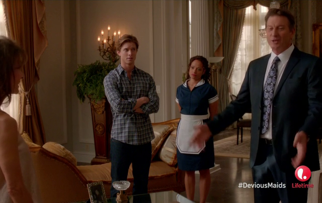 Critiques Séries : Devious Maids. Saison 1. Episode 6. Walking the Dog.
