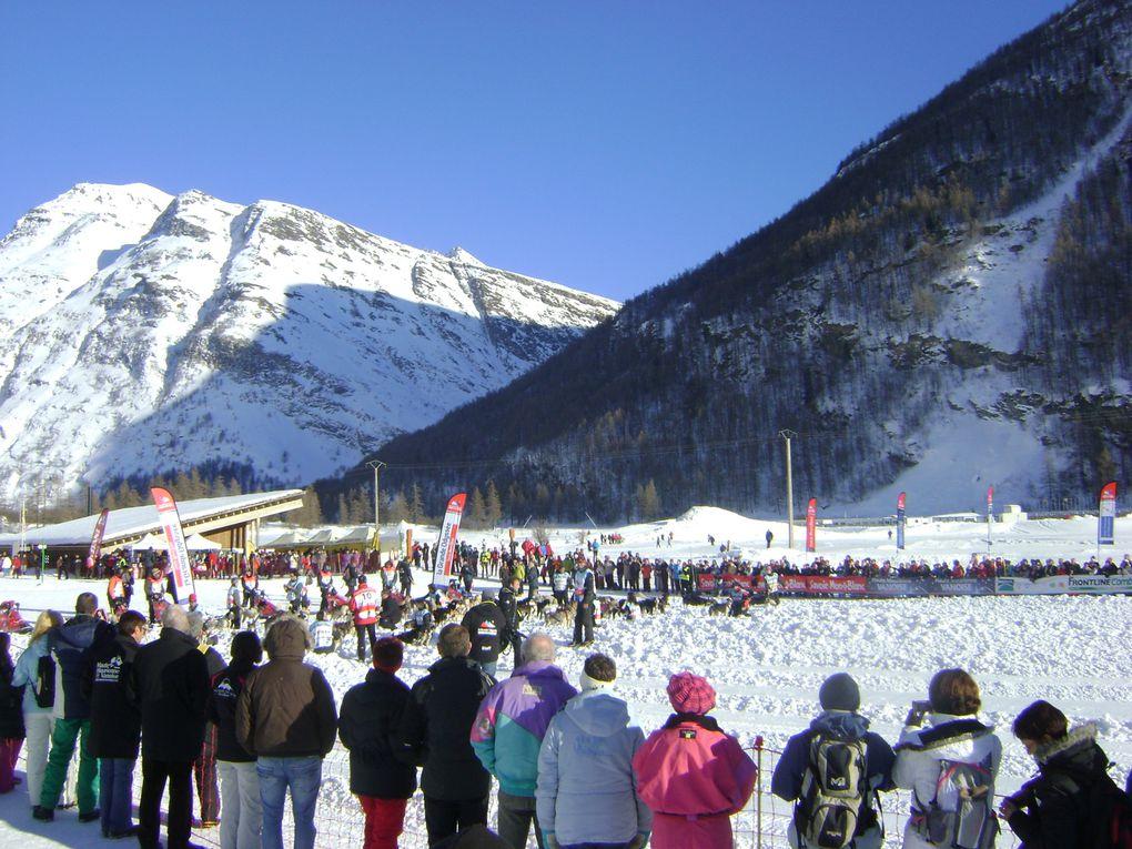 La Grande Odyssée Savoie Mont-Blanc était en Haute-Maurienne du 14 au 18 janvier. Quelques images de la mass-start à Bessans et de l'arrivée à Lanslebourg.  Photos : J.Tracq