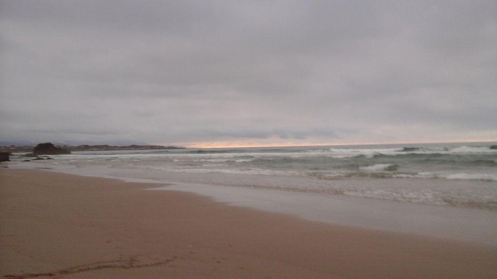 Impressionnant, énorme, le début de la côte nord très déchiquetée. Un soupçon de coucher de soleil.