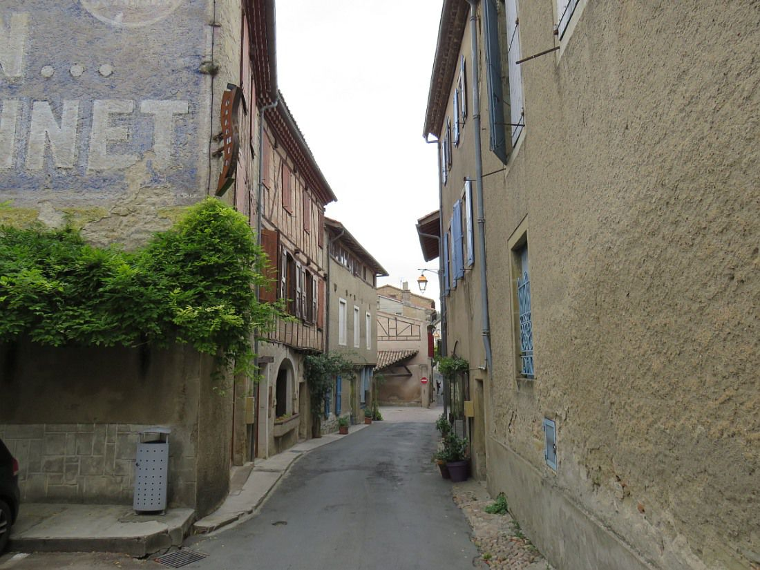 """""""Un des plus beaux villages de France"""" du Tarn."""