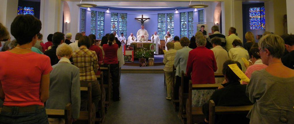 Aux couleurs de l'Amérique Latine , la messe de la fête de la mission a été un temps fort présidé par le Père Philippe MAHEUT, vicaire général délégué de Mgr Descubes. Bel envoi en mission des 8 volontaires Mad'action pour MADAGASCAR et d