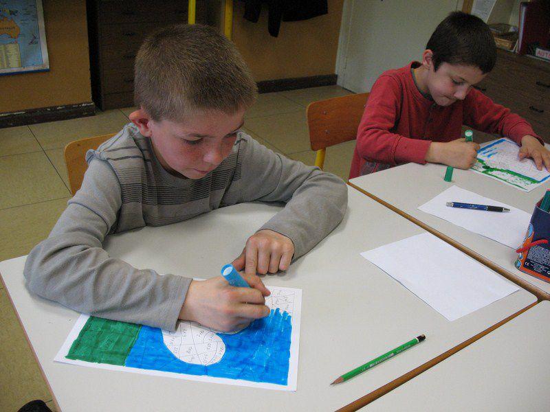 A l'école Elie Reumaux, Freyming-Merlebach (Moselle, France, classe de CE2 de Mme Tchanilé (2013). Toutes les infos sur la page : http://www.lalutiniere.com/article-reumaux-2013-118510661.html