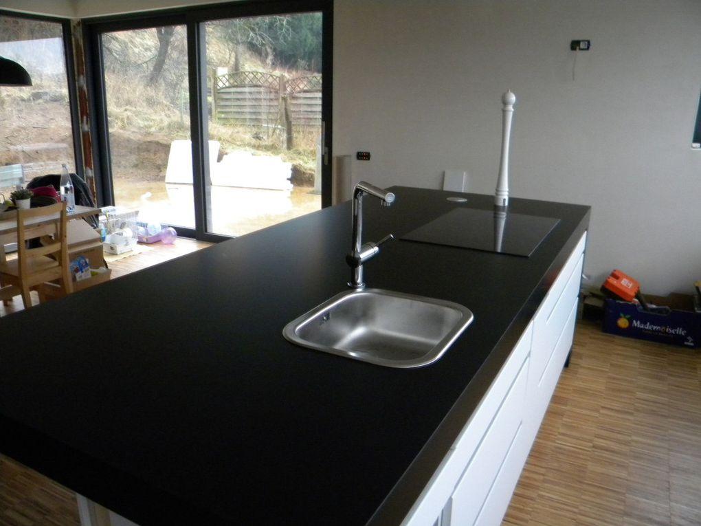dessus de cuisine en stratifié noir mat