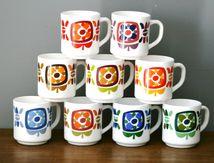 Lot de 9 Mugs MOBIL arcopal Années 70 - Vintage