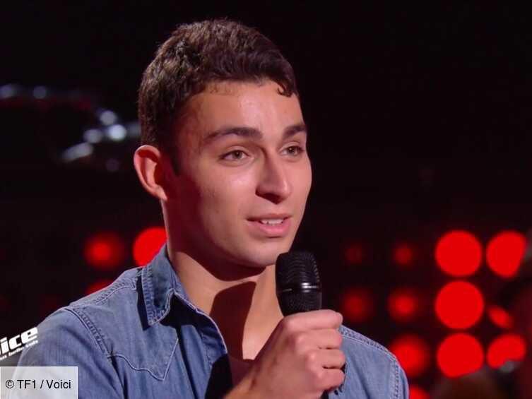 """Tarik un jeune chanteur et rappeur français qualifié pour les demi-finales de l'émission télévisée """"the Voice"""" en 2021"""