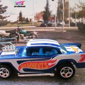 57 CHEVY CHEVROLET 1957 MOTEUR SORTANT DU CAPOT HOT WHEELS 1/64 - car-collector.net