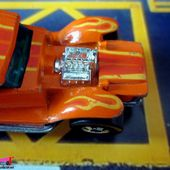 THE DEMON HOT WHEELS 1/64 - 32 FORD SEDAN LIL COFFIN. - car-collector.net