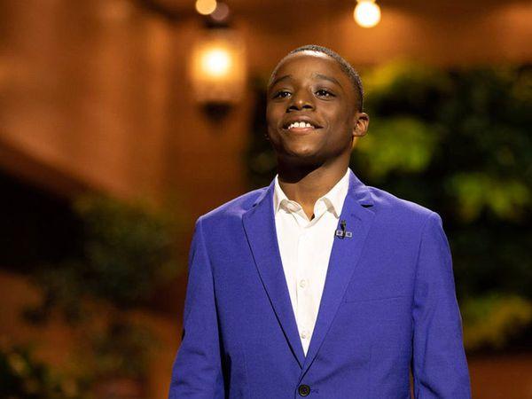 keedon bryant, un jeune chanteur de 12 ans américain qui entonne un gospel pour George floyd et qui signe avec le label WARNER