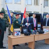 More non-lethal equipment, including night-vision goggles, transferred from Canada to Ukraine 2904151 | April 2015 Global Defense Security news UK | Defense Security global news industry army 2015