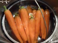 Échine de porc aux épices et carottes nouvelles entières