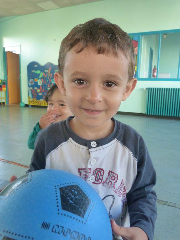 Voici mes copains de classe : il y a des moyens , des petits et des tout petits!!!