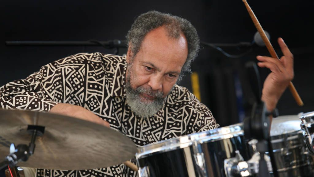 HOMMAGE A MILFORD GRAVES DECEDE LE 12/2/2021
