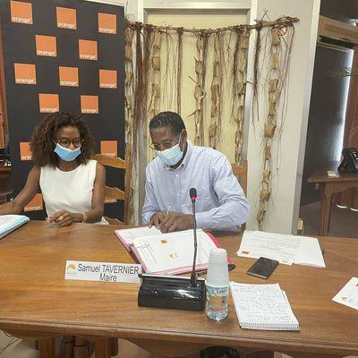 Ville du François (Martinique) : Orange annonce la signature d'une convention pour le déploiement de la fibre !