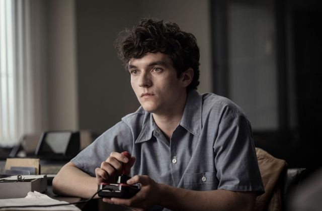 Critiques Séries : Black Mirror - Bandersnatch (4.07)