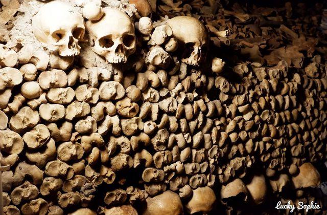 Visiter les catacombes de Paris avec des enfants