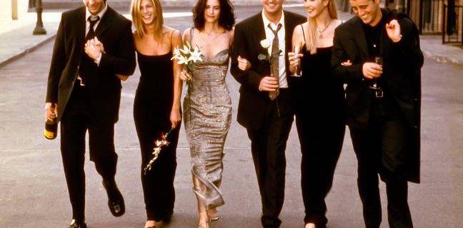 Reportage : Le casting de « Friends » fait la promo d'une nouvelle collection de merchandising pour la bonne cause