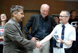 Zum 60. bereiteten im Gymnasium Veitshöchheim 660 Schüler , 70 Lehrkräfte und viele Eltern ihrem Schulleiter eine grandiose Geburtstags-Party