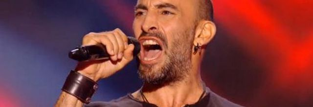 """The Voice"" : François chante « With or Without You » de U2 (vidéo)"