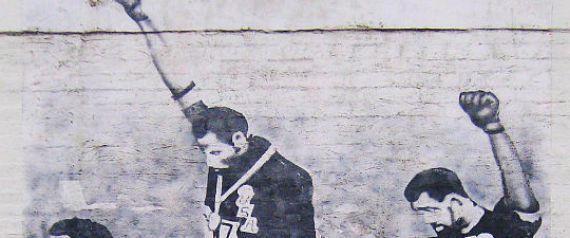 De Pascalelafraise.files.wordpress.com…J.O. de Mexico de 1968 : Quand les mains parlent et que les yeux écoutent: langage des signes.
