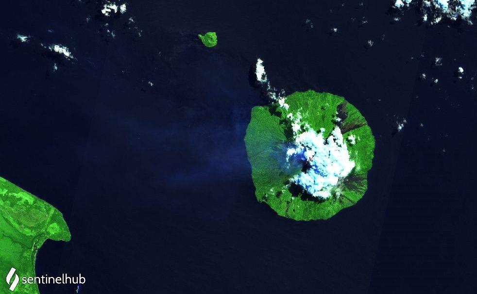 Manam - dégazage le 02.08.2021 - image Sentinel-2 bands 12,11,4 - un clic pour agrandir