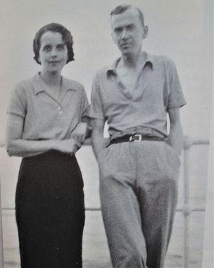Barbara et Graham Greene à leur départ d'Angleterre et à bord du David Livingstone qui les conduisit en Afrique.