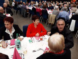 Samedi 12 janvier 2019 nous sommes allés, au Firmament, à la rencontre de nos aînés pour le repas offert par le CCAS et la municipalité. Nos échanges avec les différents convives ont été emprunt de beaucoup de chaleur et de convivialité.( 7 photos)