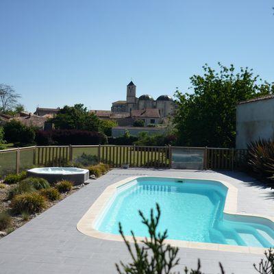 La piscine et son parc - Het zwembad in het park -The swimming pool and the park