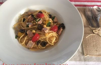 Spaghetti aux olives, andouille et pois chiches