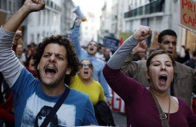 Grève générale et manifestations contre l'austérité secouent le Portugal