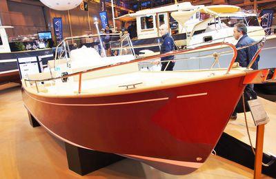 Coup de Coeur pour un Rhéa 23 Open (1/3) - découverte du bateau, et signature du bon de commande lors du Nautic 2015