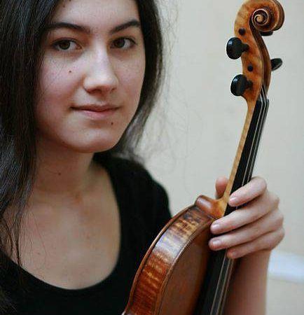 irène duval, une jeune et délicate violoniste française auréolée de nombreux prix